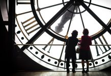 getting-the-most-out-of-a-museum-with-kids-paris-846873_1280