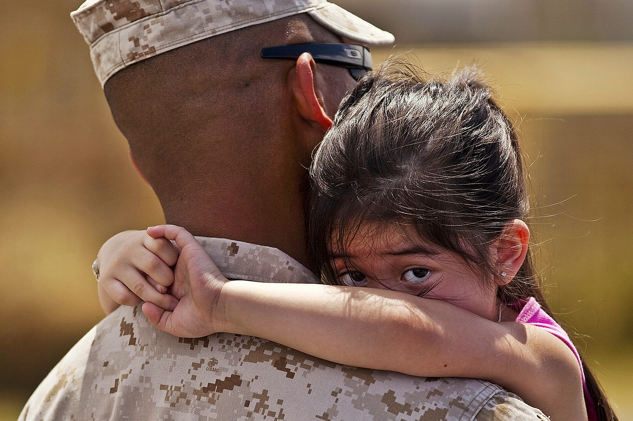 What You Missed If You Didn T Watch Major Dad Last Weekend Daily Mom Military Major dad (for those of you not around when it was being aired) is about a single marine major whose love for the corps was equaled by nothing.until he met polly (shanna reed) a widowed, shapely. watch major dad last weekend