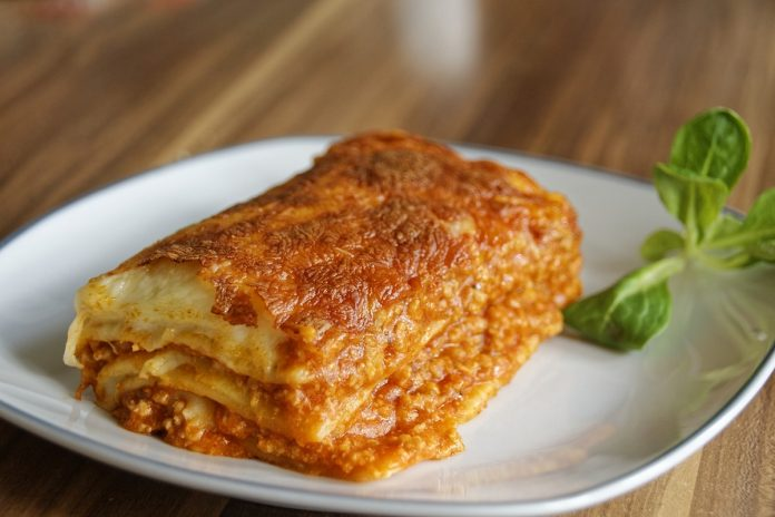 5 comfort dishes for your next meal train lasagna 2272454 1920