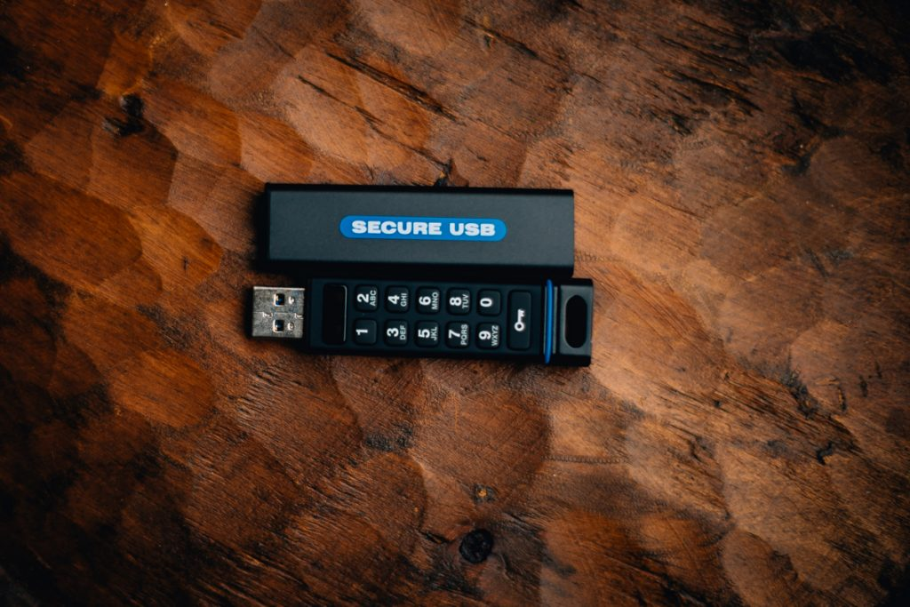 secureusb. marisa mcdonald photography 3