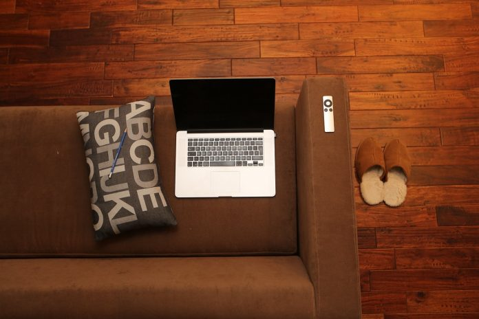 Websites To Use In Your Military Spouse Job Search Home Office